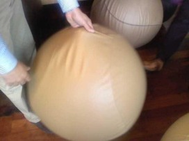 Rivestimento ispirato alle geometrie della palla da pallacanestro