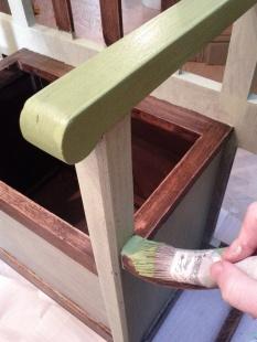Prima mano mentre dipingo la base